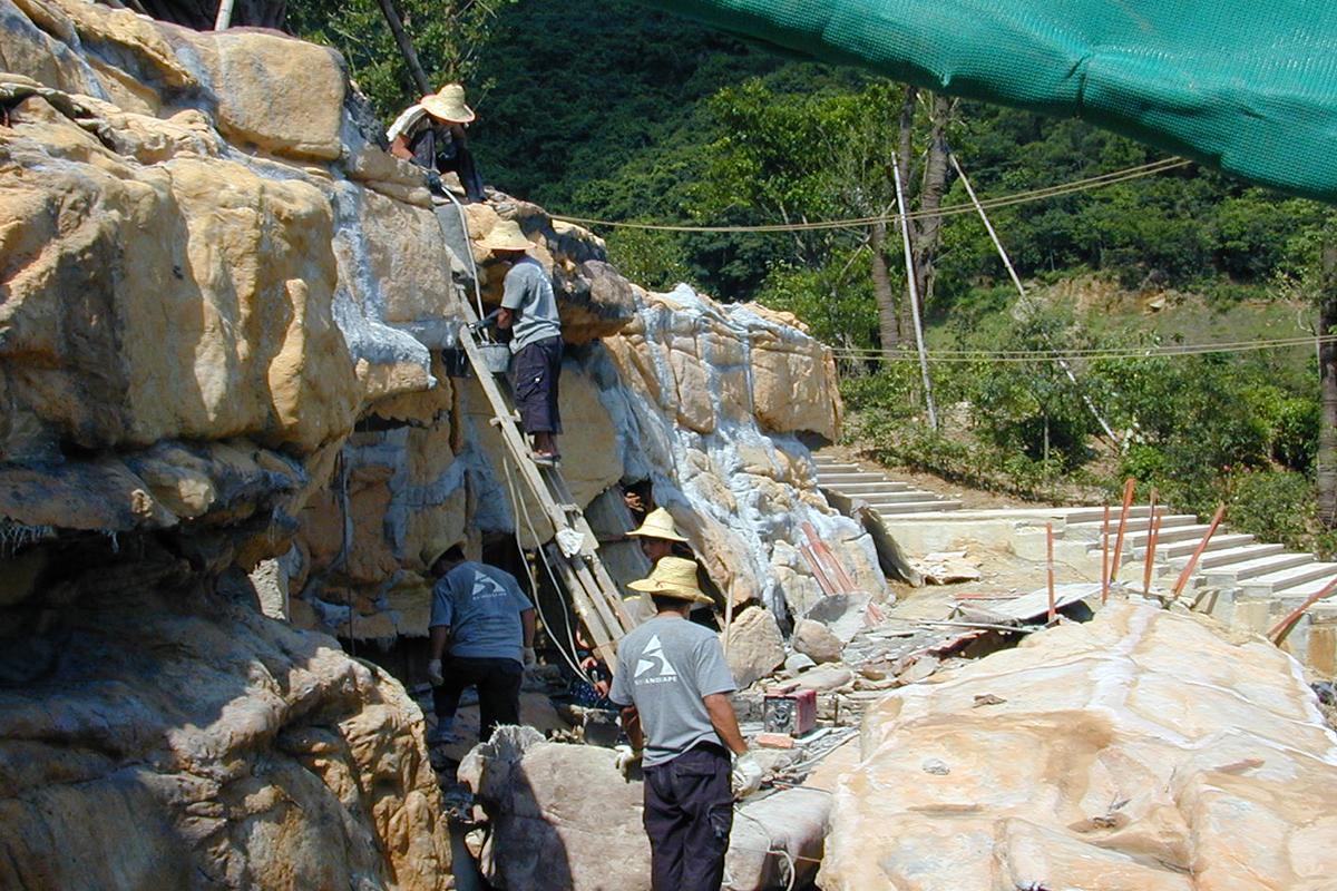 假山瀑布施工侧面图