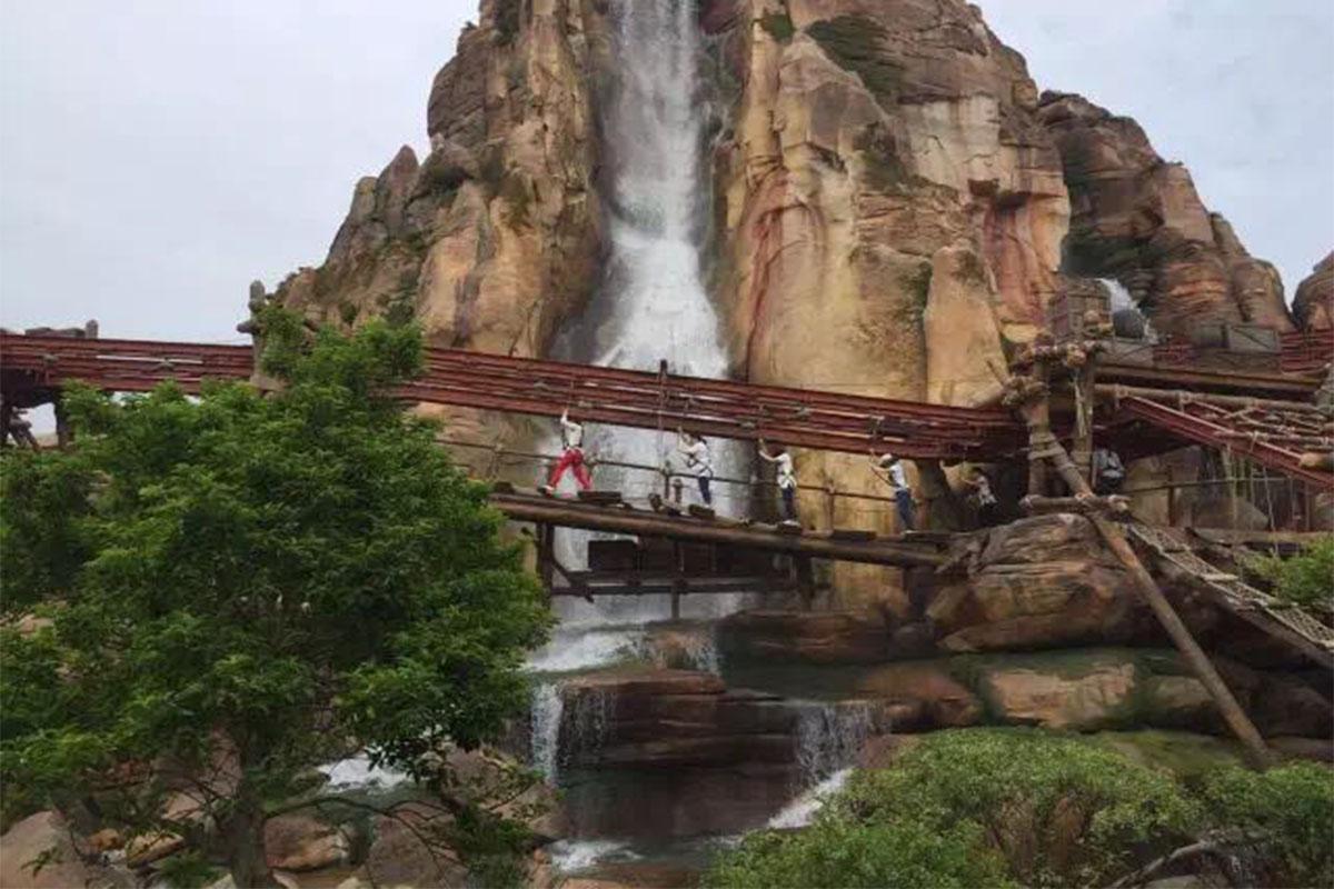 主题公园假山瀑布